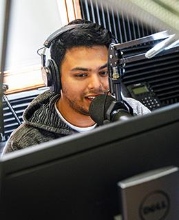 student broadcasting on dominican radio